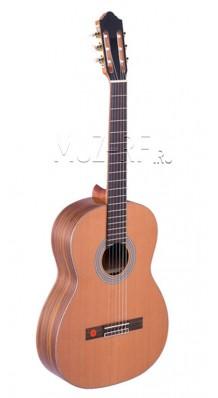 Фото STRUNAL 975 4/4 (Классическая гитара 4/4 из массива красного кедра)